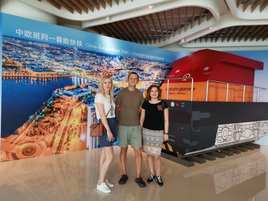 Инсталляция поезда, который должен пройти через города Урала